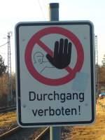 Sonstiges/183746/durchgang-verboten-schild-in-lancken-am Durchgang verboten! Schild in Lancken am 26.02.2012