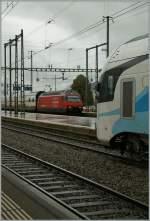 Re 460/184129/sbb-re-460-043-3-erreicht-mit SBB RE 4/60 043-3 erreicht mit einem IC nach Basel Sargans. 14. Sept. 2011